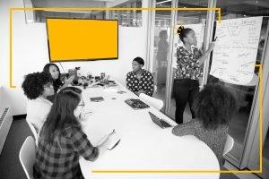 Qual é o papel da curadoria na comunicação interna?