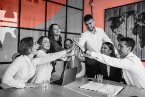Colaboradores felizes: 5 fatores que você deve considerar